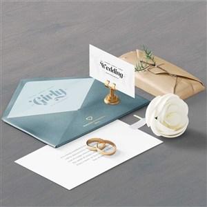时尚化妆品vi信封信纸包装设计样机