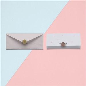清新创意信封设计样机贴图