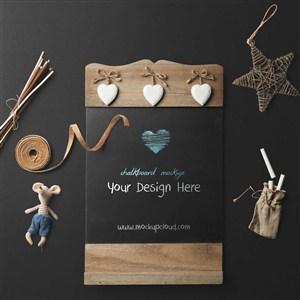时尚豪华桌面木板黑板设计板样机