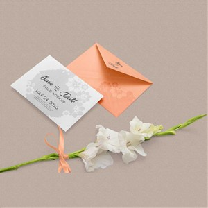 时尚女性VI信封信纸样机