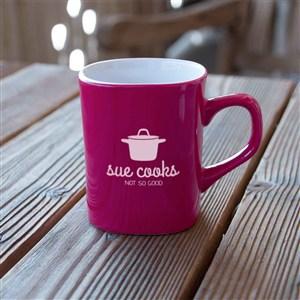红色陶瓷咖啡杯水杯贴图样机