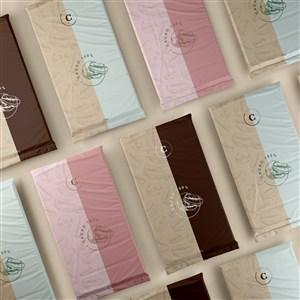 顶视图整齐排列的巧克力贴图样机