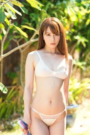 户外长发内衣日本美女火辣萝莉写真