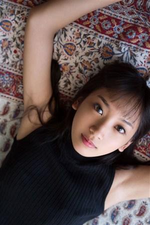 床上漂亮迷人性感養眼日本美女圖片
