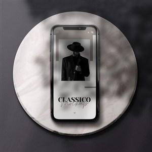 圓臺上的手機貼圖樣機