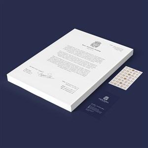 蓝色背景A4文档名片贴图样机