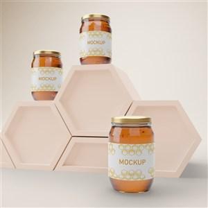 六邊形展臺上的玻璃密封瓶蜂蜜包裝貼圖樣機