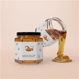 六邊形密封玻璃瓶和懸浮倒出蜂蜜的玻璃瓶貼圖樣機