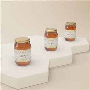 六邊形展臺上的橢圓形密封玻璃瓶蜂蜜包裝貼圖樣機