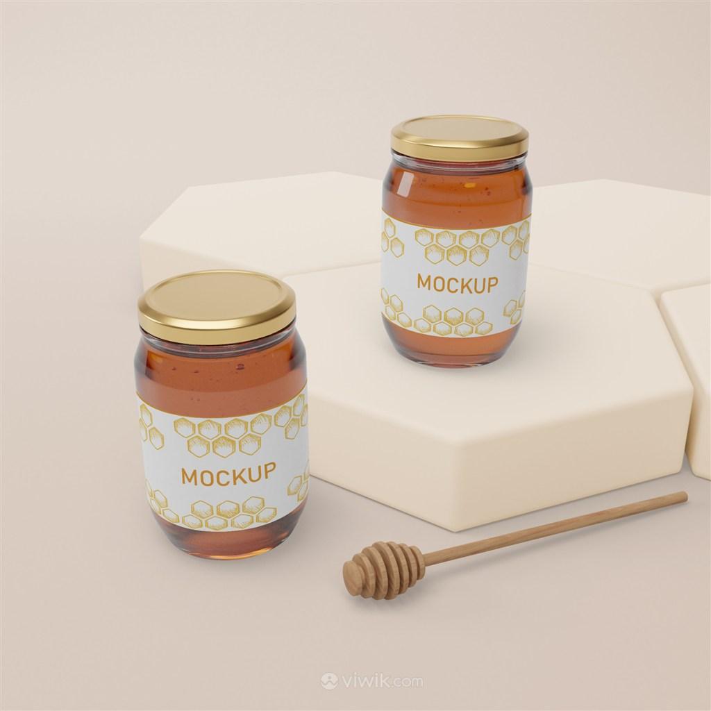 六边形展台和两瓶密封玻璃瓶蜂蜜包装贴图样机