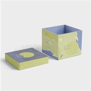 打开的方形纸盒包装盒贴图样机