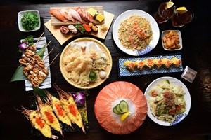 日本料理大餐三文鱼生鲜美食图片