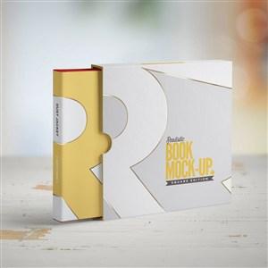 正方形书本画册装帧设计样机模板