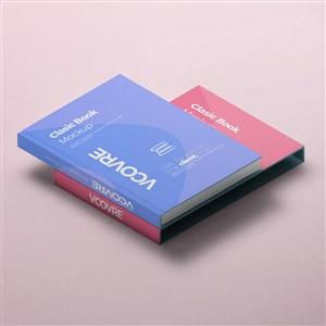 叠在一起的两本书籍封面贴图样机