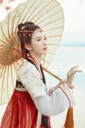 撑伞户外摄影古典古装汉服美女图片