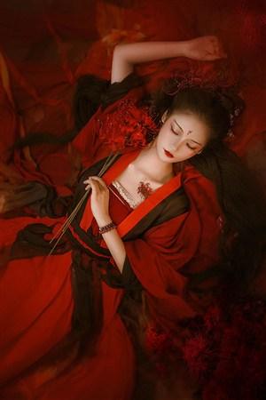 红装古装汉服美女图片