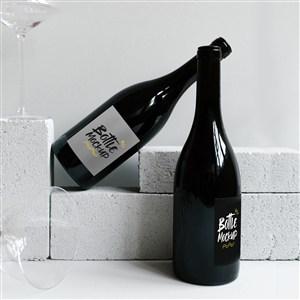 两瓶红酒包装贴图样机